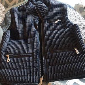 Metropolis vest